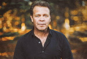 Troy Cassar-Daley to star at CMC Rocks